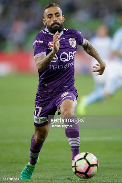 Diego Castro of Perth Glory chases the ball during the ALeague Elimination Final match between Melbourne City FC and the Perth Glory at AAMI Park on...