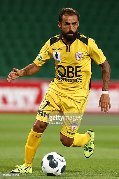 Diego Castro of the Glory controls the ball during the FFA Cup Semi Final match between Perth Glory and Melbourne City FC at nib Stadium on October...
