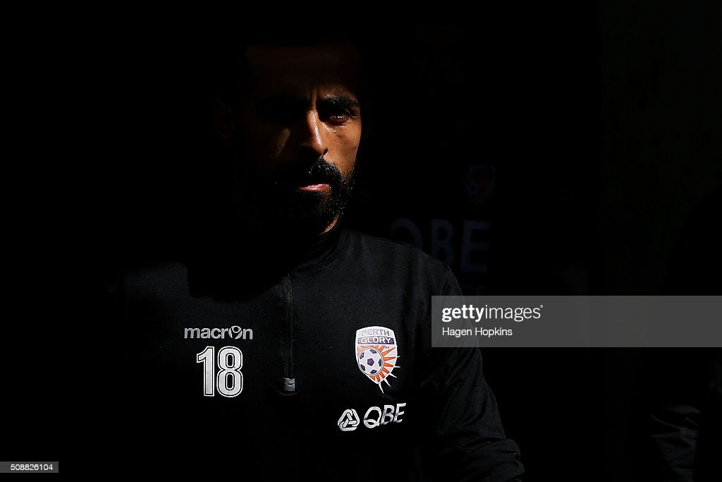 Diego Castro of the Glory looks on during the round 18 A-League match between Wellington Phoenix and Perth Glory at Westpac Stadium on February 7, 2016 in Wellington, New Zealand.