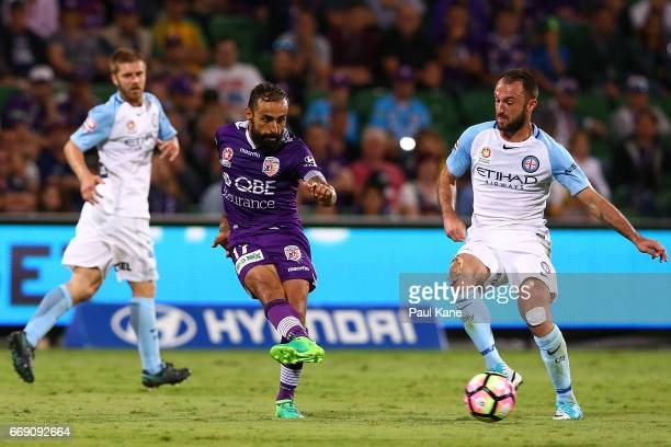 Diego Castro of the Glory passes the ball during the round 27 ALeague match between the Perth Glory and Melbourne City FC at nib Stadium on April 16...