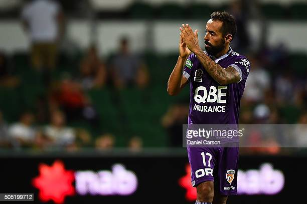 Diego Castro of the Perth Glory thanks the fans during the round 15 ALeague match between Perth Glory and Melbourne City FC at nib Stadium on January...