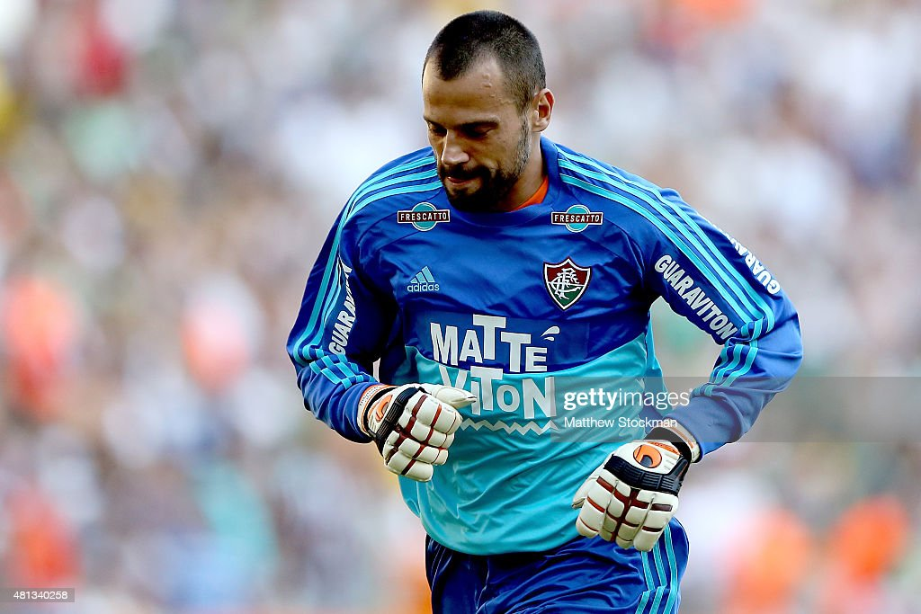 <a gi-track='captionPersonalityLinkClicked' href=/galleries/search?phrase=Diego+Cavalieri&family=editorial&specificpeople=5441023 ng-click='$event.stopPropagation()'>Diego Cavalieri</a> of Fluminense plays goalie against Vasco during their Brasileirao Series A 2015 match at Maracana Stadium on July 19, 2015 in Rio de Janeiro, Brazil.