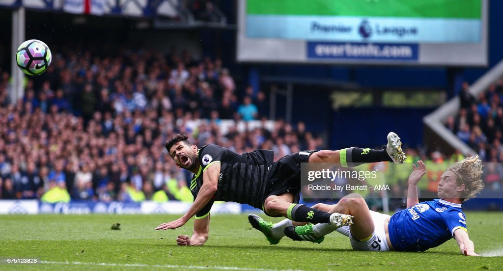 Diego Costa of Chelsea and Tom Davies of Everton during the Premier League match between Everton and Chelsea at Goodison Park on April 30, 2017 in Liverpool, England.
