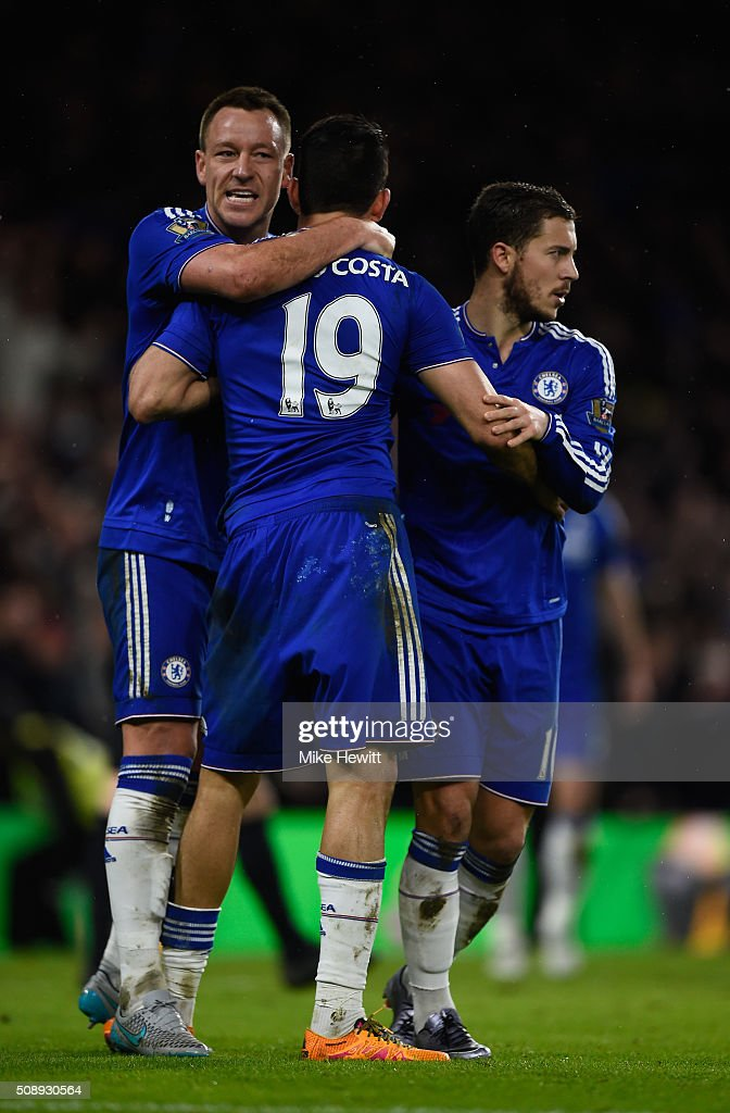 Diego Costa of Chelsea celebrates with team mates after scoring the equalising goal during the Barclays Premier League match between Chelsea and Manchester United at Stamford Bridge on February 7, 2016 in London, England.