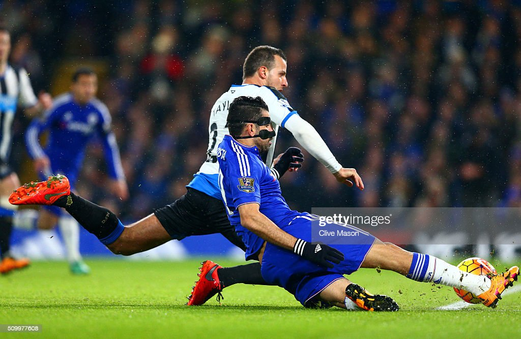 Diego Costa of Chelsea scores his team's first goal during the Barclays Premier League match between Chelsea and Newcastle United at Stamford Bridge on February 13, 2016 in London, England.