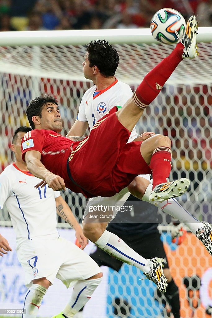 Diego Costa of Spain in action during the 2014 FIFA World Cup Brazil Group B match between Spain and Chile at Estadio Maracana on June 18, 2014 in Rio de Janeiro, Brazil.