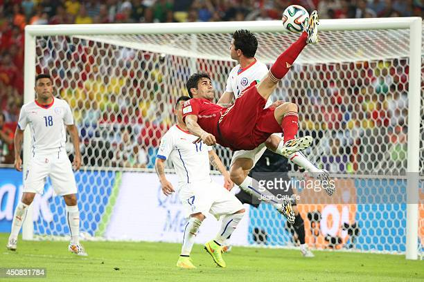 Diego Costa of Spain in action during the 2014 FIFA World Cup Brazil Group B match between Spain and Chile at Estadio Maracana on June 18 2014 in Rio...