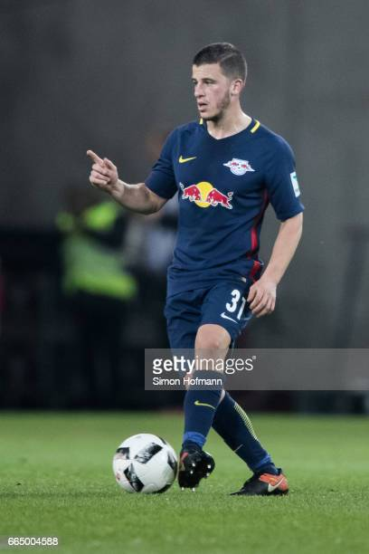 Diego Demme of Leipzig controls the ball during the Bundesliga match between 1 FSV Mainz 05 and RB Leipzig at Opel Arena on April 5 2017 in Mainz...