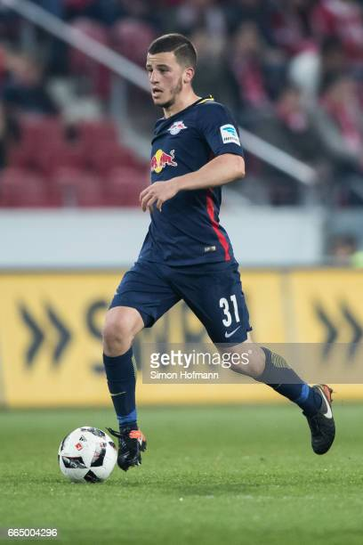 Diego Demme of Leipzig runs with the ball during the Bundesliga match between 1 FSV Mainz 05 and RB Leipzig at Opel Arena on April 5 2017 in Mainz...