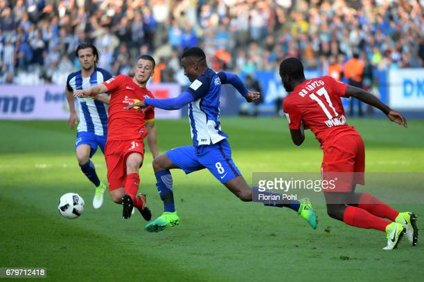 Diego Demme Salomon Kalou of Hertha BSC and Dayot Upamecano of RB Leipzig during the game between Hertha BSC and RB Leipzig on may 6 2017 in Berlin...
