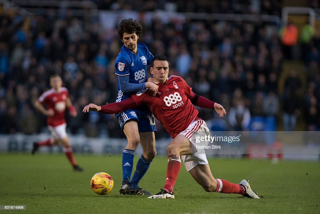 Diego Fabbrini of Birmingham City and Jack Hobbs of Nottingham Forest in action during the Sky Bet Championship match between Birmingham City and Nottingham Forest at St Andrews Stadium on January 14, 2017 in Birmingham, England (Photo by Nathan Stirk/Getty Images).