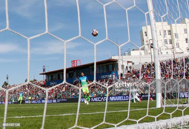 Diego Falcinelli of Crotone celebrates scores his team's second goal during the Serie A match between FC Crotone and FC Internazionale at Stadio...