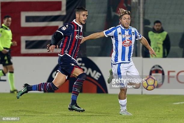 Diego Falcinelli of Crotone competes for the ball with Alessandro Crescenzi of Pescara during the Serie A match between FC Crotone and Pescara Calcio...