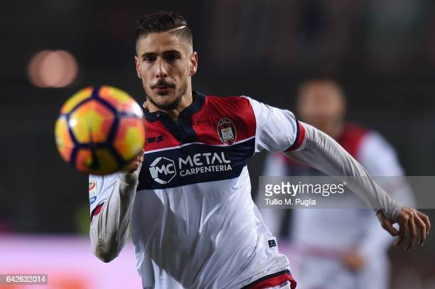 Diego Falcinelli of Crotone in action during the Serie A match between Atalanta BC and FC Crotone at Stadio Atleti Azzurri d'Italia on February 18...