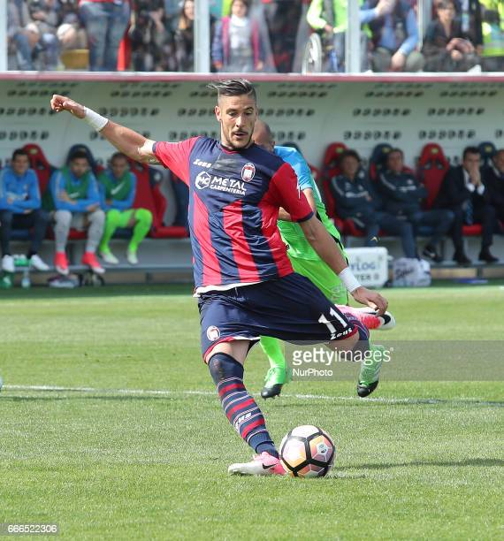 Diego Falcinelli of Crotone scores a goal with penalty during the Serie A match between FC Crotone and FC Internazionale at Stadio Comunale Ezio...