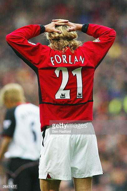 Diego Forlan of United put his hands to his head during the FA Barclaycard Premiership match between Manchester United and Fulham at Old Trafford on...