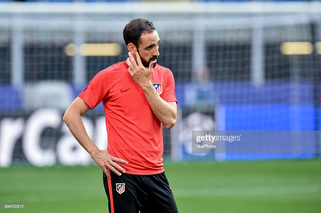 <a gi-track='captionPersonalityLinkClicked' href=/galleries/search?phrase=Diego+Godin&family=editorial&specificpeople=608999 ng-click='$event.stopPropagation()'>Diego Godin</a> of Atletico Madrid during the training session ahead the UEFA Champions League Final between Real Madrid and Atletico Madrid Atletico Madrid at Stadio San Siro, Milan, Italy on 27 May 2016