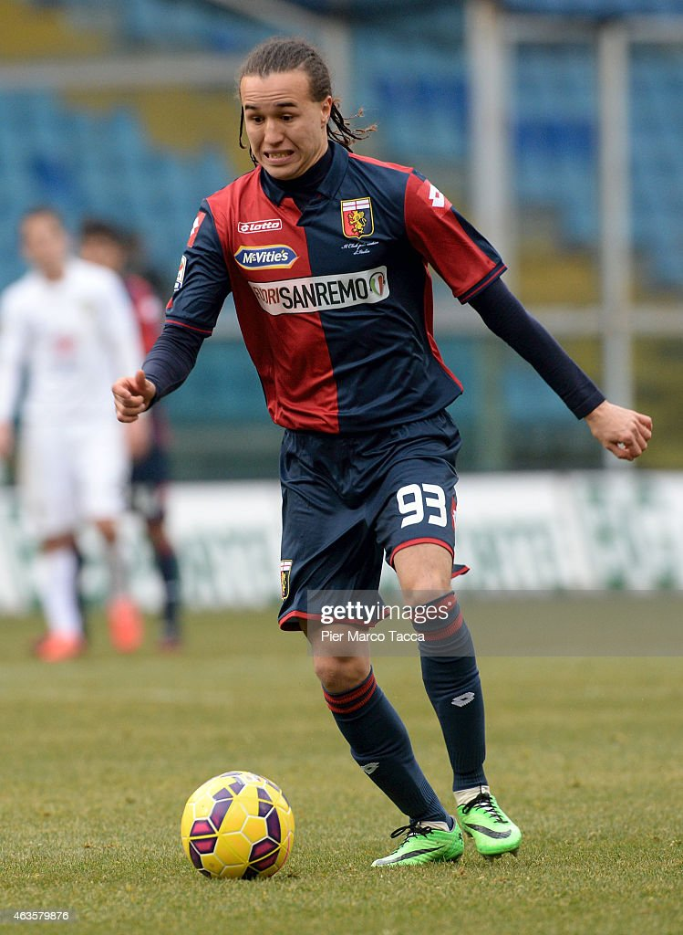 <a gi-track='captionPersonalityLinkClicked' href=/galleries/search?phrase=Diego+Laxalt&family=editorial&specificpeople=11047544 ng-click='$event.stopPropagation()'>Diego Laxalt</a> of Genoa CFC in action during the Serie A match between Genoa CFC and Hellas Verona FC at Stadio Luigi Ferraris on February 15, 2015 in Genoa, Italy.