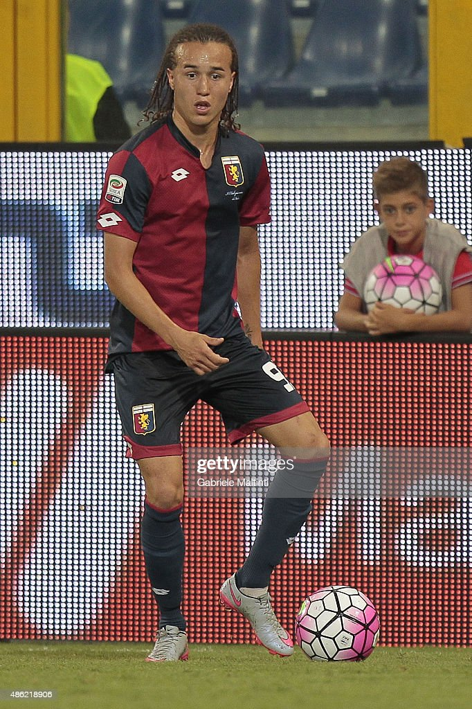 <a gi-track='captionPersonalityLinkClicked' href=/galleries/search?phrase=Diego+Laxalt&family=editorial&specificpeople=11047544 ng-click='$event.stopPropagation()'>Diego Laxalt</a> of Genoa CFC in action during the Serie A match between Genoa CFC and Hellas Verona FC at Stadio Luigi Ferraris on August 30, 2015 in Genoa, Italy.