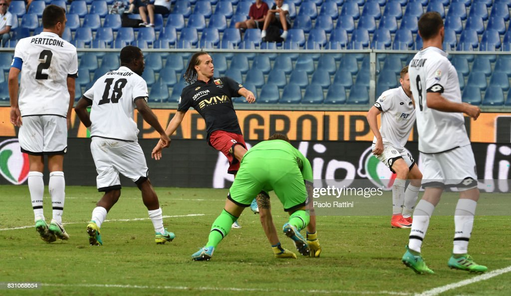 Diego Laxalt (Genoa) score gol 2-1 during the TIM Cup match between Genoa CFC and AC Cesena at Stadio Luigi Ferraris on August 13, 2017 in Genoa, Italy.