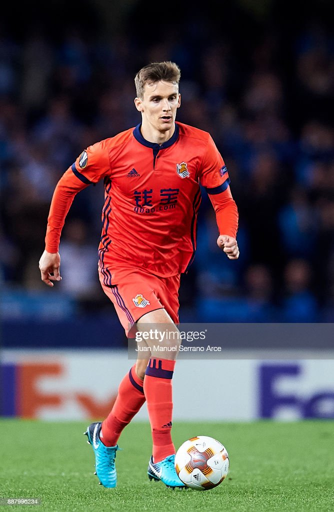 Diego Llorente of Real Sociedad controls the ball during the UEFA Europa League group L football match between Real Sociedad de Futbol and FC Zenit Saint Petersburg at Estadio Anoeta on December 7, 2017 in San Sebastian, Spain.