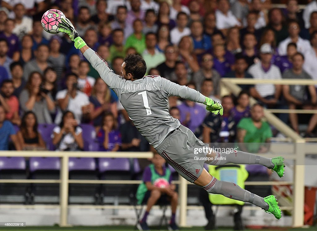 Diego Lopez of Milan in action during the Serie A match between ACF Fiorentina and AC Milan at Stadio Artemio Franchi on August 23, 2015 in Florence, Italy.