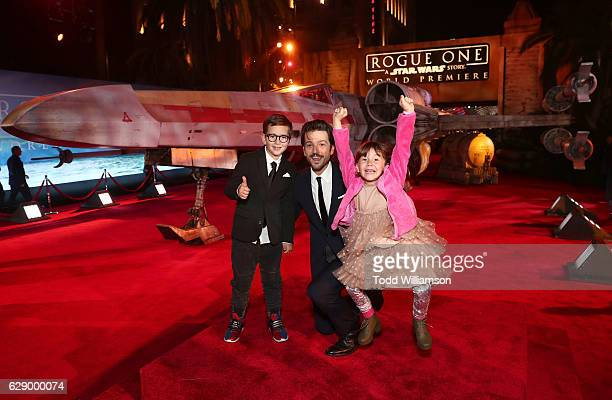 Diego Luna and children Jeronimo Luna and Fiona Luna attend the premiere of Walt Disney Pictures And Lucasfilm's 'Rogue One A Star Wars Story' at the...