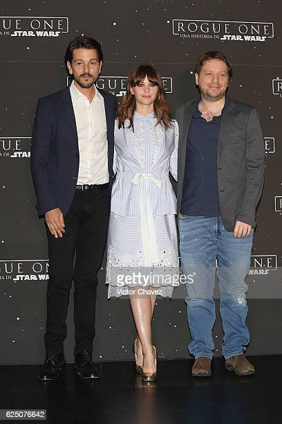 Diego Luna Felicity Jones and film director Gareth Edwards pose to photographers during a photocall to promote the film 'Rogue One A Star Wars Story'...