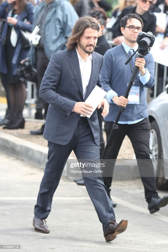 <a gi-track='captionPersonalityLinkClicked' href=/galleries/search?phrase=Diego+Luna&family=editorial&specificpeople=213511 ng-click='$event.stopPropagation()'>Diego Luna</a> is seen arriving at the 2014 Film Independent Spirit Awards on March 01, 2014 in Los Angeles, California.