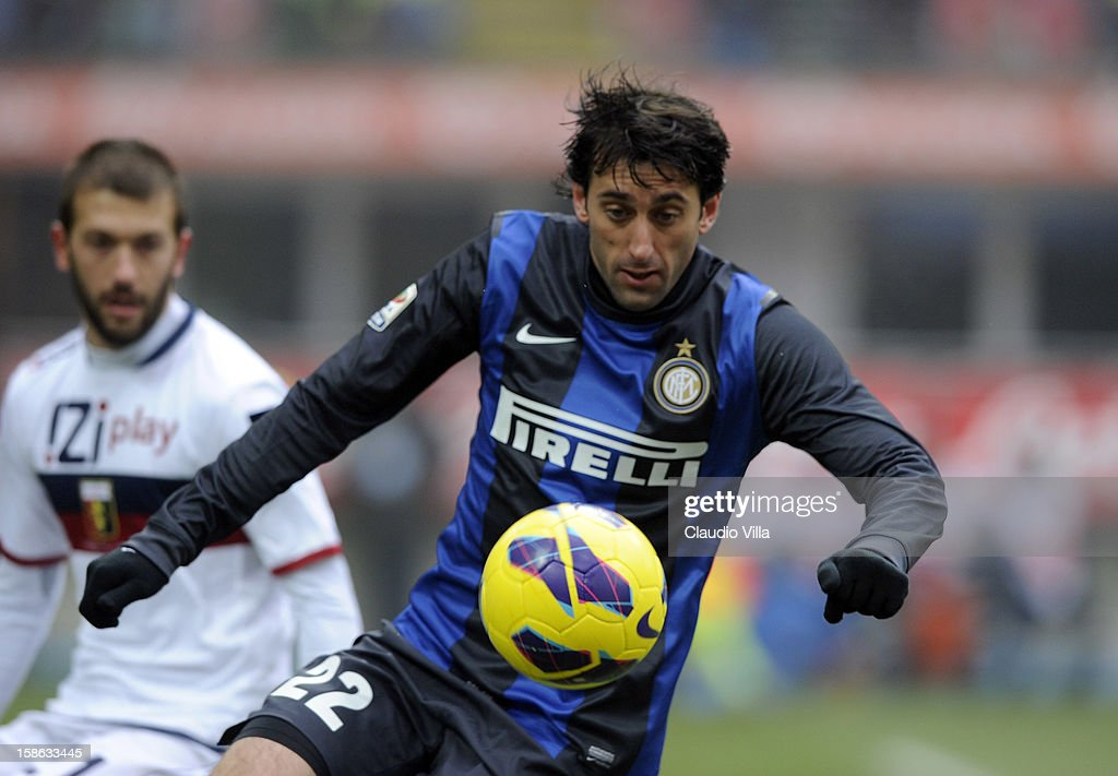 Diego Milito of FC Inter Milan controls the ball during the Serie A match between FC Internazionale Milano and Genoa CFC at San Siro Stadium on December 22, 2012 in Milan, Italy.