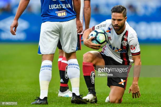 Diego of Flamengo a match between Cruzeiro and Flamengo as part of Brasileirao Series A 2017 at Mineirao stadium on July 16 2017 in Belo Horizonte...
