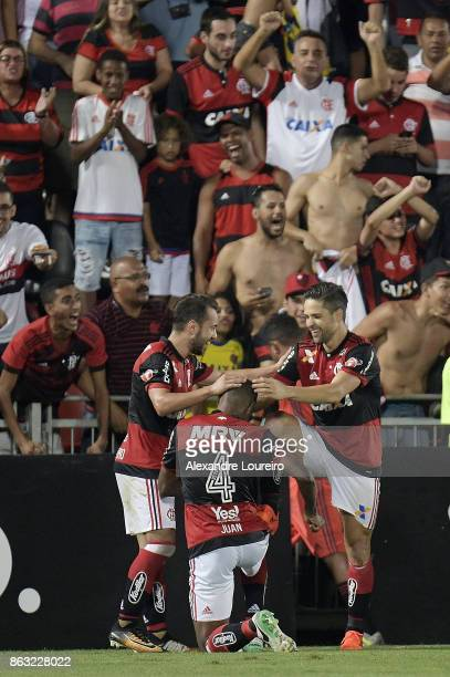 Diego of Flamengo celebrates a second scored goal during the match between Flamengo and Bahia as part of Brasileirao Series A 2017 at Ilha do Urubu...