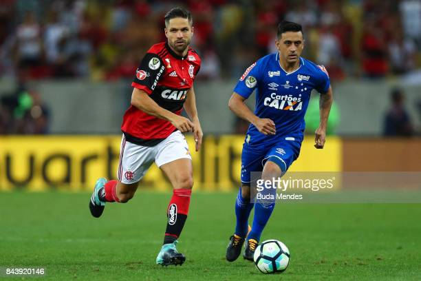 Diego of Flamengo struggles for the ball with Robinho of Cruzeiro during a match between Flamengo and Cruzeiro part of Copa do Brasil 2017 Finals at...