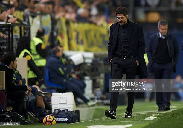 Diego Pablo Simeone Manager of Atletico de Madrid reacts during the La Liga match between Villarreal CF and Atletico de Madrid at El Madrigal on...