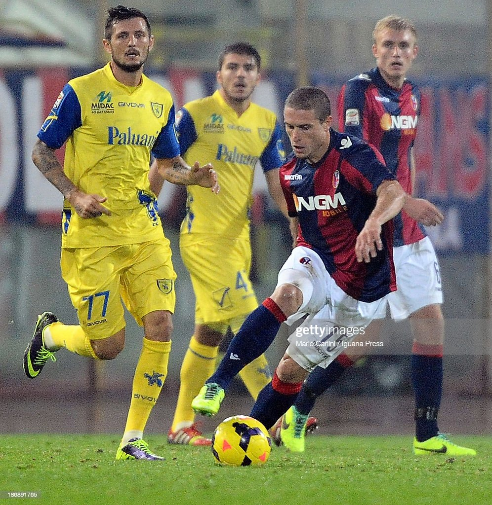<a gi-track='captionPersonalityLinkClicked' href=/galleries/search?phrase=Diego+Perez&family=editorial&specificpeople=697338 ng-click='$event.stopPropagation()'>Diego Perez</a> # 15 of Bologna FC in action during the Serie A match between Bologna FC and AC Chievo Verona at Stadio Renato Dall'Ara on November 4, 2013 in Bologna, Italy.
