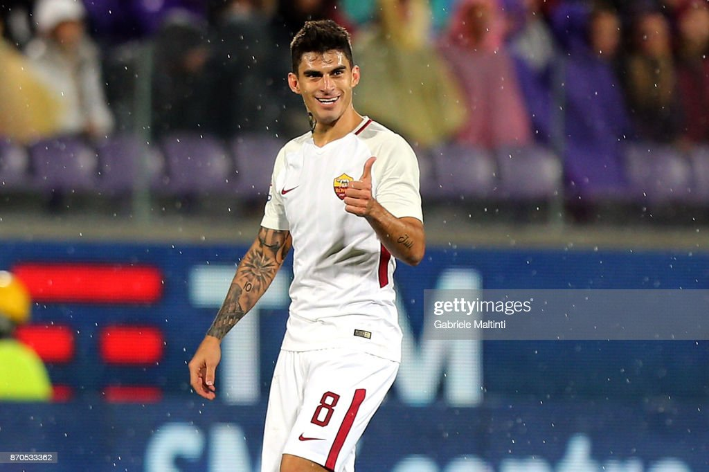 Diego Perotti of AS Roma celebrates after scoring a goal during the Serie A match between ACF Fiorentina and AS Roma at Stadio Artemio Franchi on November 5, 2017 in Florence, Italy.