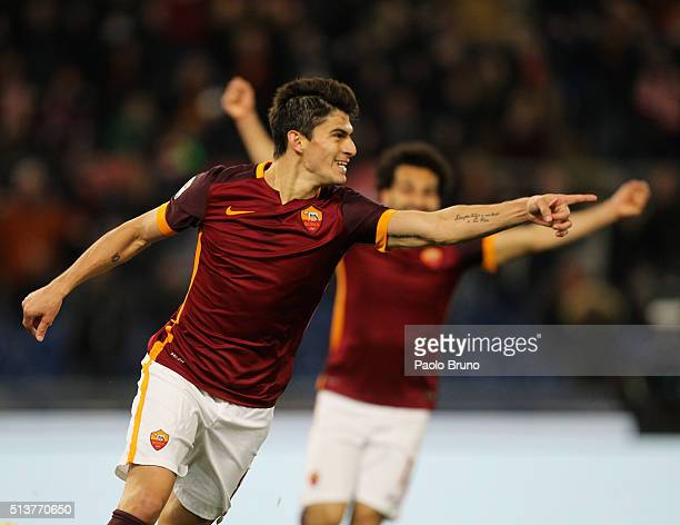 Diego Perotti of AS Roma celebrates after scoring the team's third goal during the Serie A match between AS Roma and ACF Fiorentina at Stadio...
