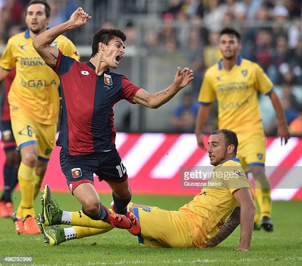 Diego Perotti of Genoa and Leonardo Blanchard of Frosinone in action during the Serie A match between Frosinone Calcio and Genoa CFC at Stadio Matusa...