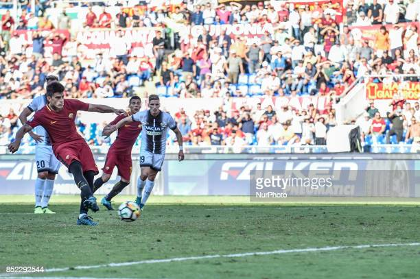 Diego Perotti of Roma fails the penalty kick during the Serie A match between Roma and Udinese at Olympic Stadium Roma Italy on 23 September 2017