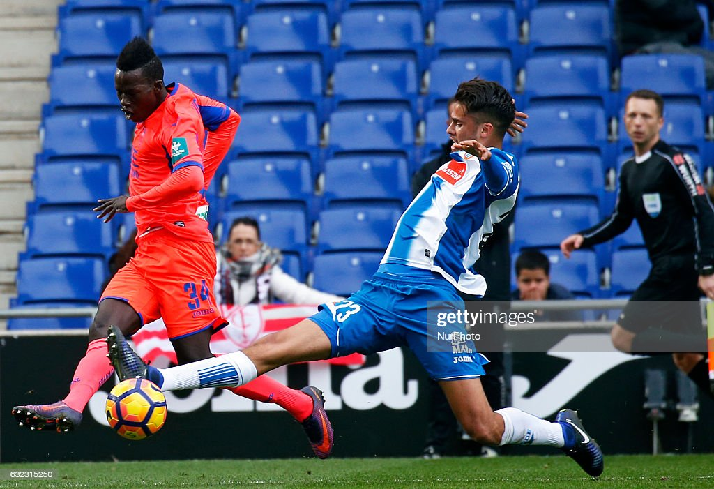 Diego Reyes and Aly Malle during the match between RCD Espanyol and Granada CF, on January 21, 2017.