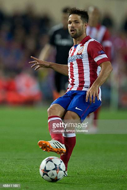 Diego Ribas of Atletico de Madrid controls the ball during the UEFA Champions League Semi Final first leg match between Club Atletico de Madrid and...