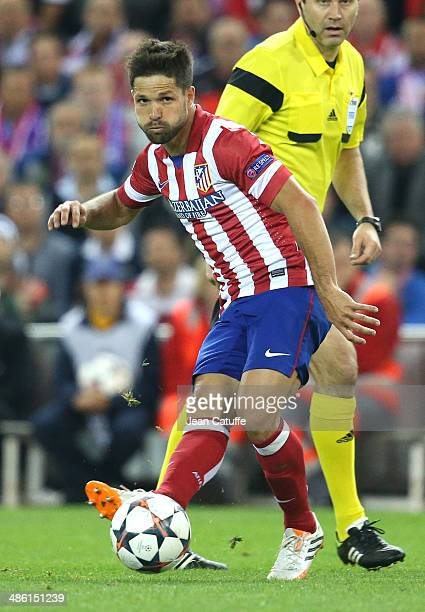Diego Ribas of Atletico Madrid in action during the UEFA Champions League semi final match between Club Atletico de Madrid and Chelsea FC at Vicente...