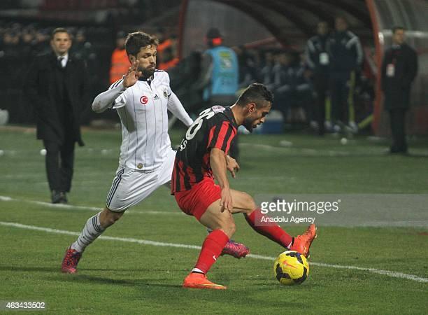 Diego Ribas of Fenerbahce vies with Baris Yardimci of Gaziantepspor during Turkish Spor Toto Super League football match between Gaziantepspor vs...