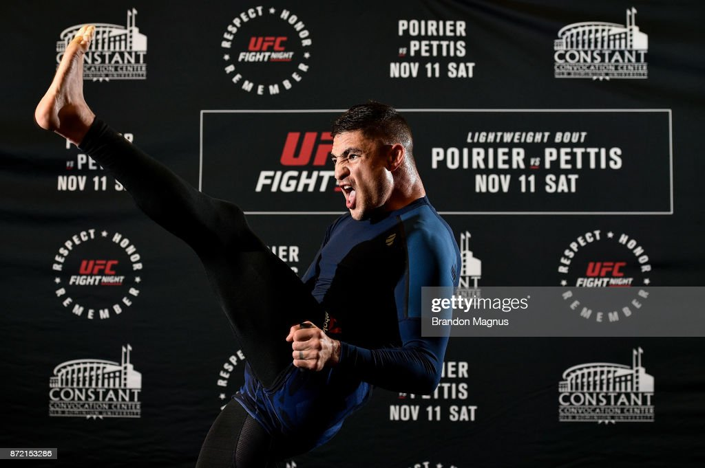 Diego Sanchez holds an open workout session for fans and media on November 9, 2017 in Norfolk, Virginia.