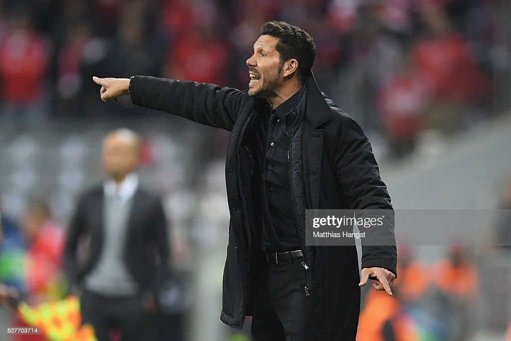 <a gi-track='captionPersonalityLinkClicked' href=/galleries/search?phrase=Diego+Simeone&family=editorial&specificpeople=226872 ng-click='$event.stopPropagation()'>Diego Simeone</a> head coach of Atletico Madrid gives instruction during UEFA Champions League semi final second leg match between FC Bayern Muenchen and Club Atletico de Madrid at Allianz Arena on May 3, 2016 in Munich, Germany.
