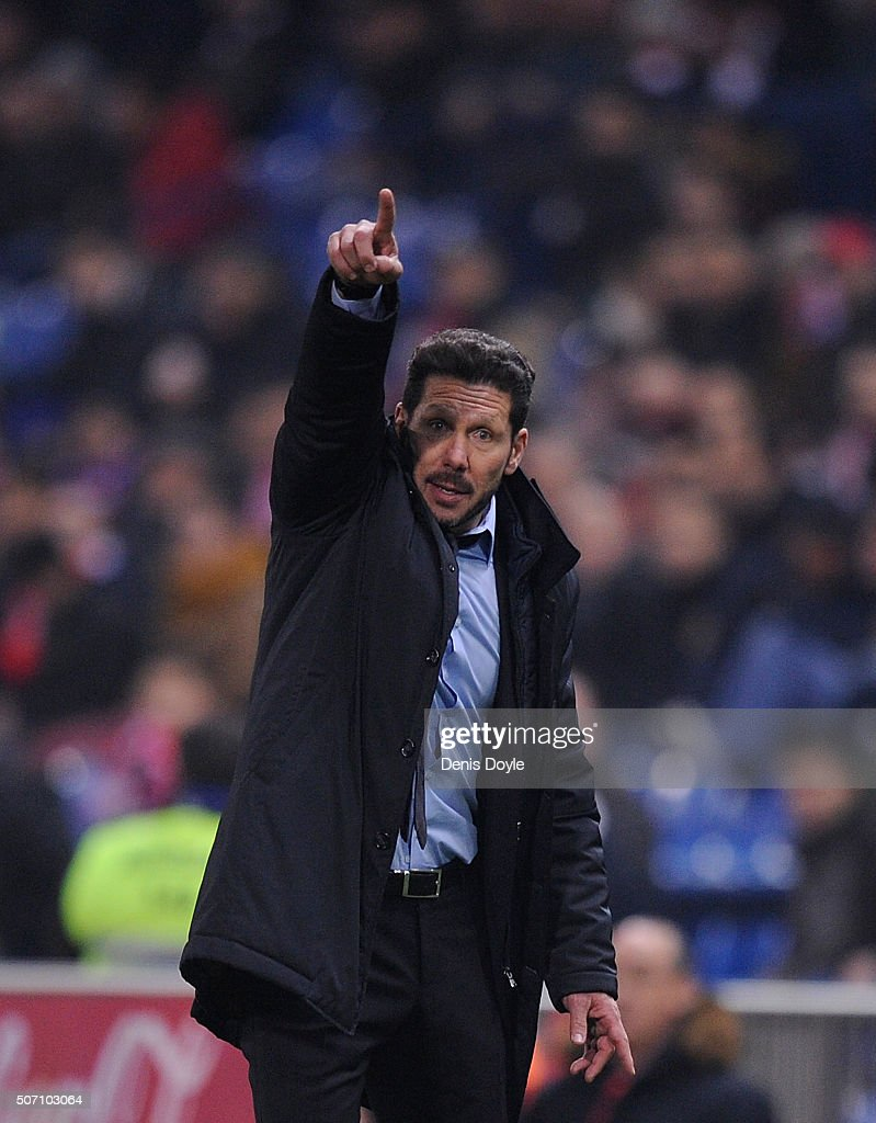 Diego Simeone Manager of Club Atletico de Madrid gives instructions to his team during the Copa del Rey Quarter Final 2nd Leg match between Club Atletico de Madrid and Celta Vigo at Vicente Calderon Stadium on January 27, 2016 in Madrid, Spain.