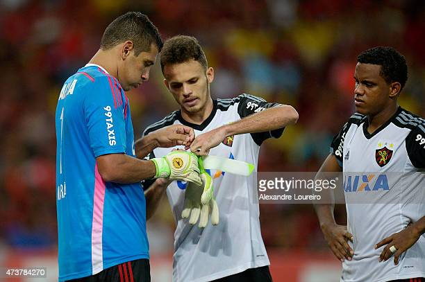 Diego Souza replaces Goalkeeper Magrao of Sport Recife during the match between Flamengo and Sport Recife as part of Brasileirao Series A 2015 at...