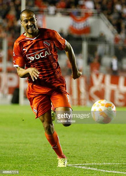 Diego Vera of Independiente runs for the ball during a second leg match between Independiente and Arsenal FC as part of second round of Copa...