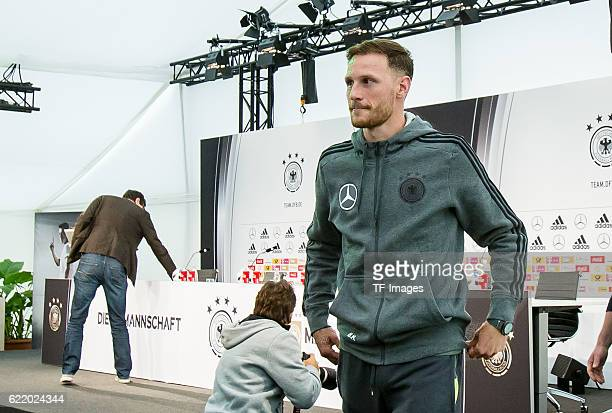 Dienstag Trainingslager der Deutschen Nationalmannschaft in Ascona Pressekonferenz Benedikt Hoewedes