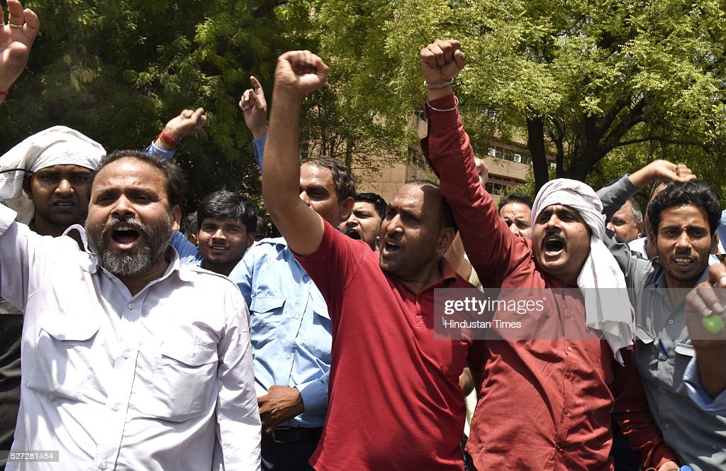 Diesel Cab drivers protest against a Supreme Court decision to ban diesel taxis in the national capital at Gole Dak Khana on May 2, 2016 in New Delhi, India. Yesterday, over a hundred diesel-run cabs, including many with AITP, ended up getting impounded after they were found plying within the city limits, following which the drivers alleged harassment by enforcement agencies. After extending the deadline twice, the Supreme Court had refused to give more time to cab operators to convert to CNG and put a ban on diesel cabs in the city from May 1. According to Delhi transport department, about 60,000 taxis are registered in the national capital of which 27,000 run on diesel. Around 2,000 diesel-run taxis had converted into CNG mode in the last two months.